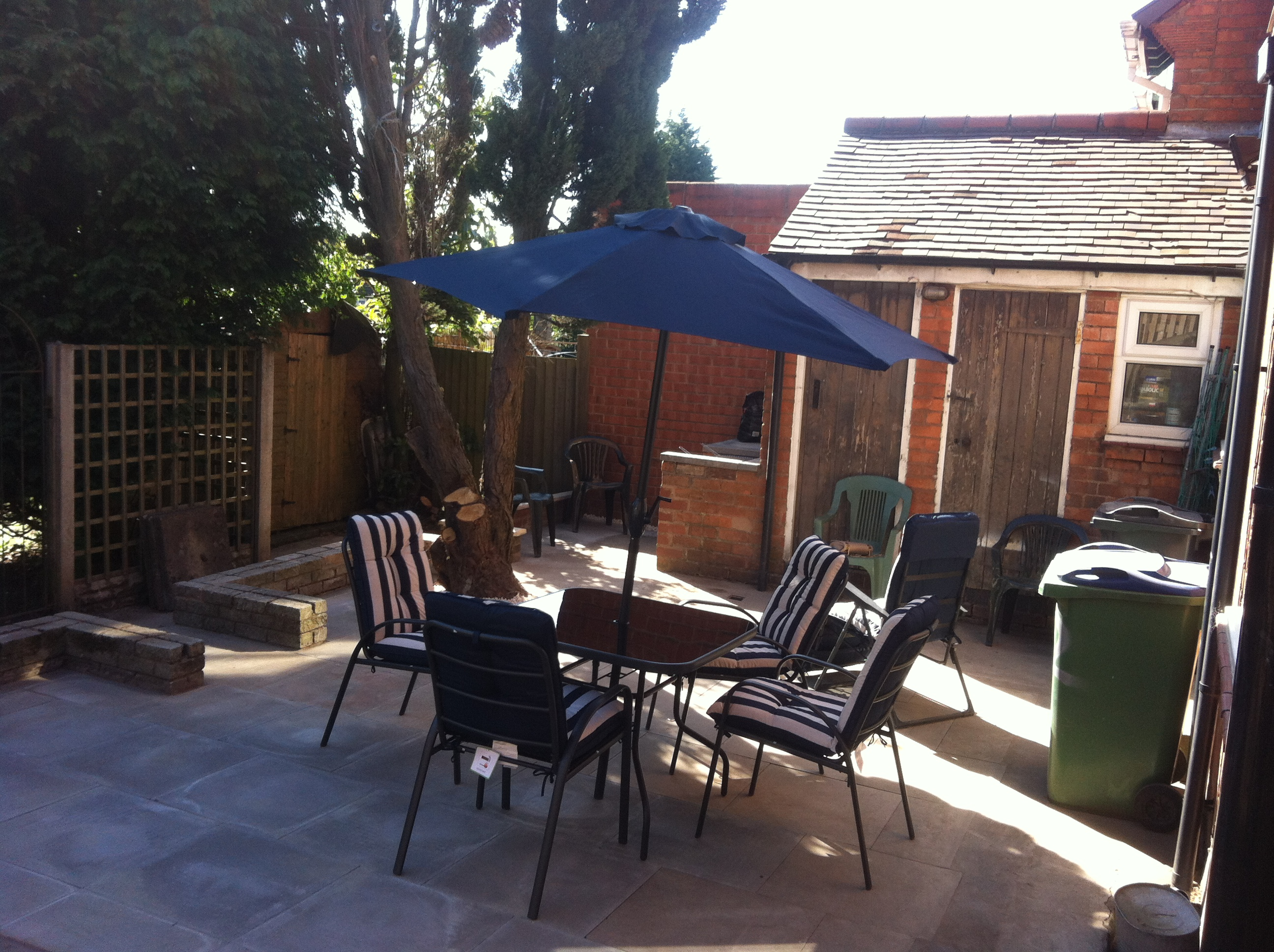 Outdoor table and chairs assembled