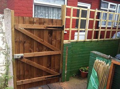 new gate with pad bolt lock and inges fitted