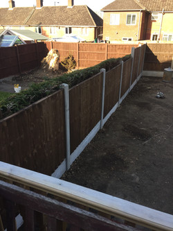 6 bay Fence erected in quinton