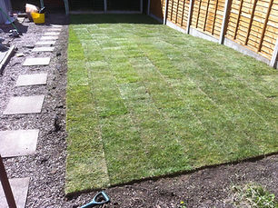 buy turf from singletons, levelled garden and laid turf and watered lawn oldbury birmingham