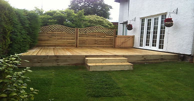 new decking was constructed in a household near cotteridge birmingham, had steps made and private area fitted around side