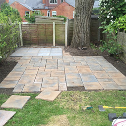 Dry fit of patterned slab paving