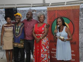 Comunidade negra comemora a construção da sede do Instituto Steve Biko