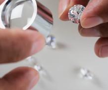 Question:  Cher bijoutier,   À quel point est-ce important de faire faire une évaluation de nos bijo