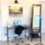 Desk%20area%20Suite%204_edited.jpg