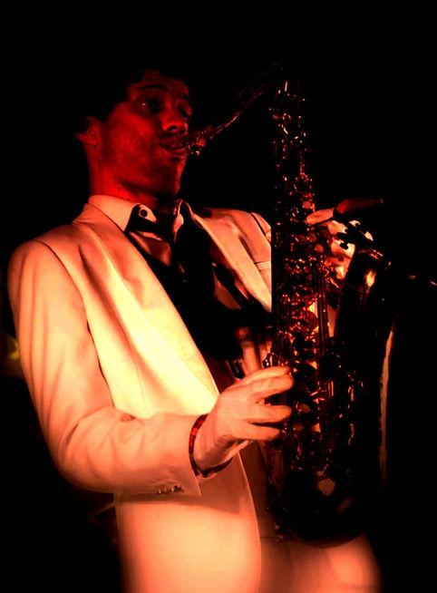 Musicien Nice , Saxophoniste Olivier HOARAU est LE saxophoniste d'ambiance, Nice Cannes monaco France : Mariage cocktail réception Piano bar discothèque anniversaire DJ IMPRO saxophoniste,mariage,nice,06,SAXLOVER,saxlover007,cannes,monaco,var,alpes,maritimes,jazz,bossa,Musicien Nice