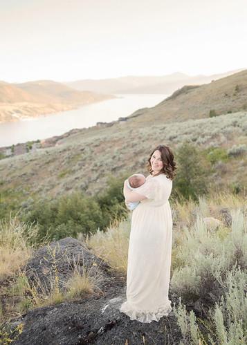 Okanagan Newborn and Family Photographer