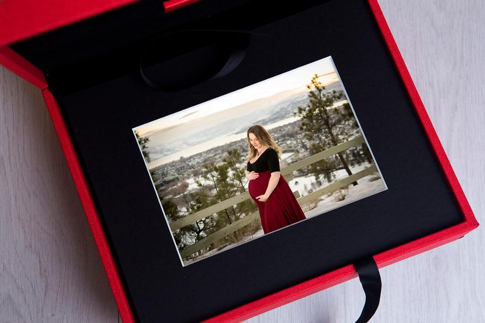 Okanagan Maternity and Newborn Photographer