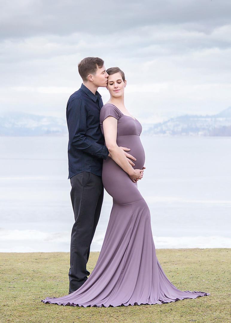Lake Country Maternity and Newborn Photographer