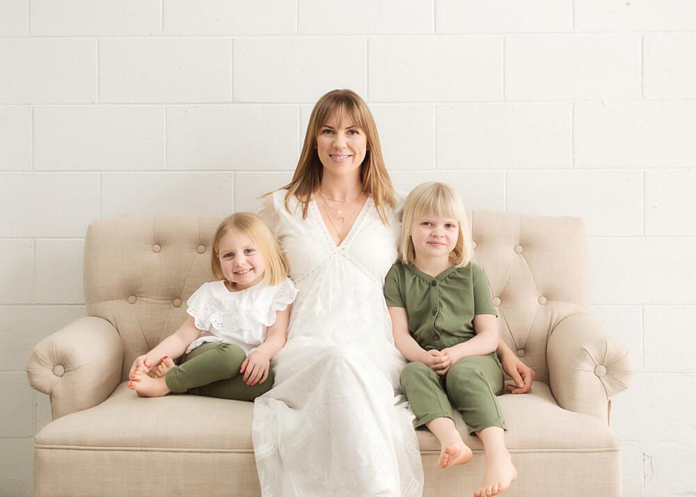 Kelowna Family Photographer - Nicole Hemeon Photography