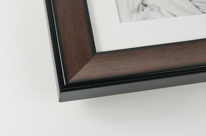 walnut-wood-picture-frame-corner