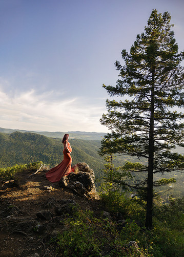 Thompson-Okanagan Maternity Session With a View