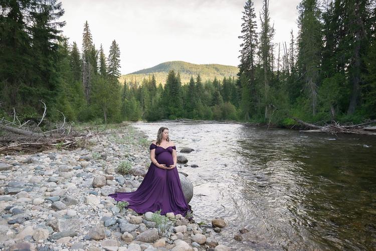 Okanagan Maternity Photographer, Nicole Hemeon Photography