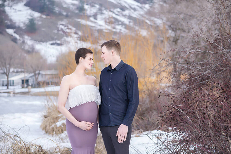Lake Country Maternity Photographer