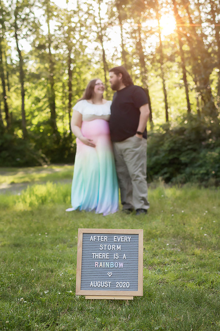 Kelowna Maternity and Newborn Photographer