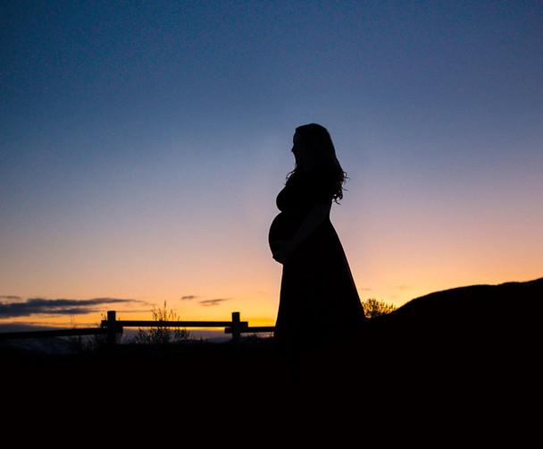 Kelowna Maternity Silhouette