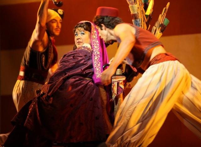 Jennifer on stage in 'Aladdin'