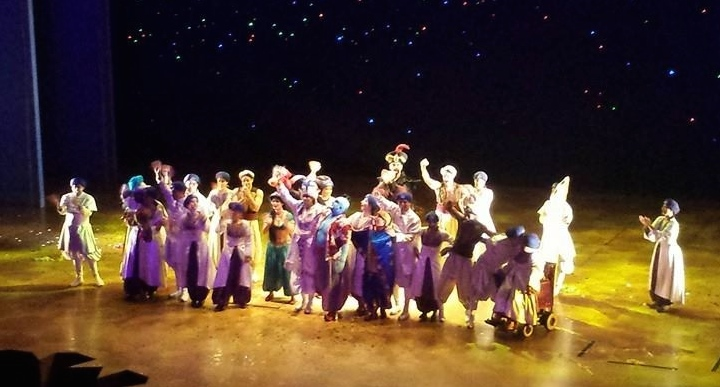 Jennifer's final bow in 'Aladdin; a Musical Spectacular'