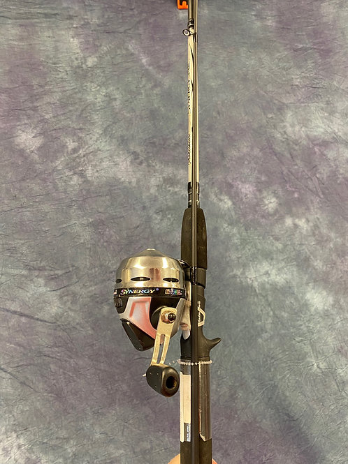 Synergy Steel Reel and  Rod