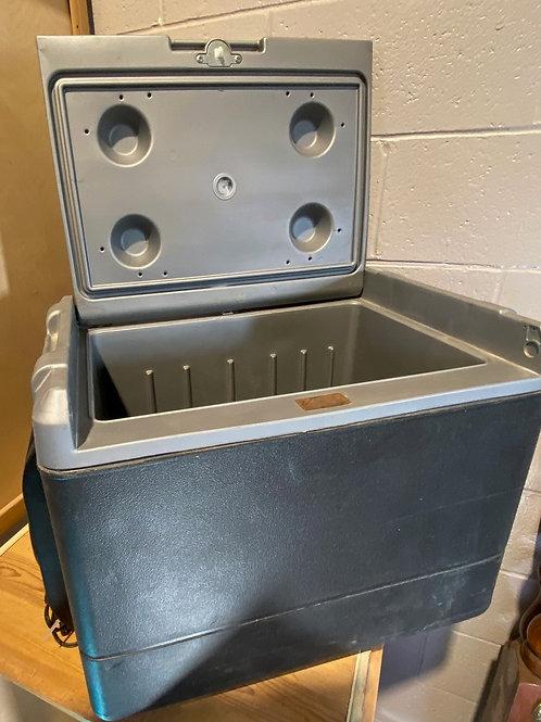 Coleman  12 V  Cooler