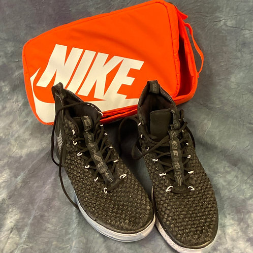 Nike LOB   Basketball Shoes