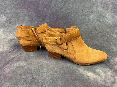 Clarks  Low cut boot