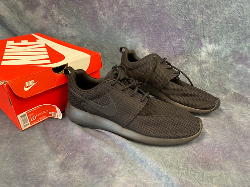 Nike Roche One casual running shoes