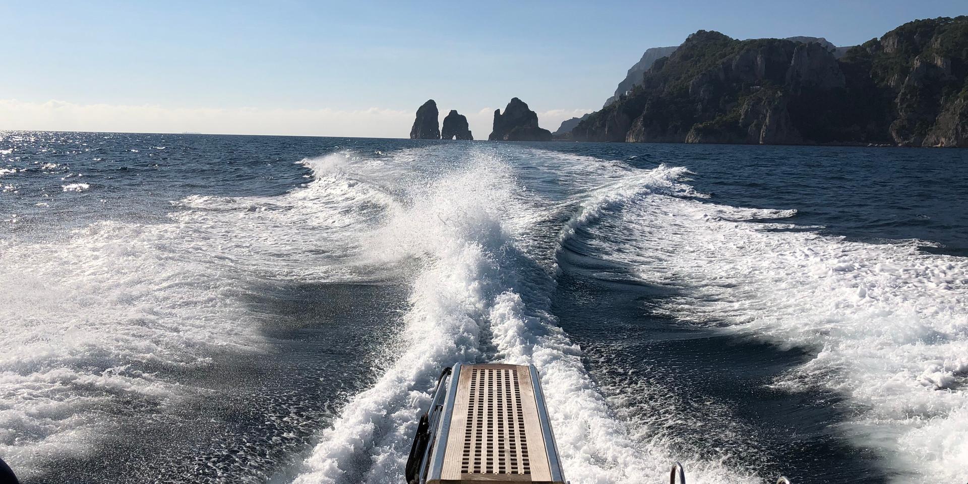 D-Ark charter gita Capri
