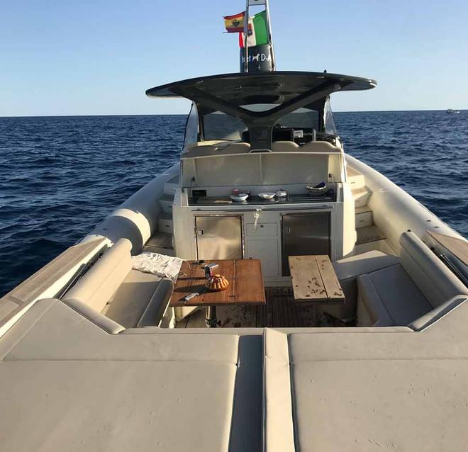 d-ark-yacht-charter-imbarcazioni-gommone