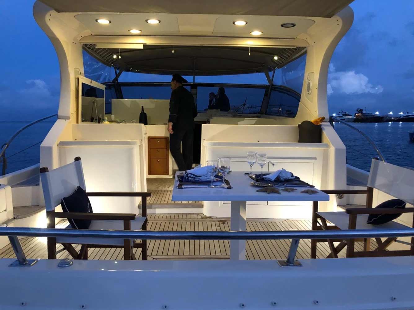 d-ark-yacht-charter-cene-galleria-4.jpg