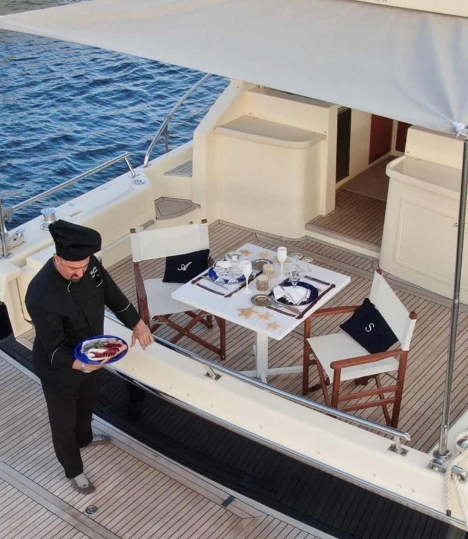 d-ark-yacht-charter-cene-galleria-3.jpg