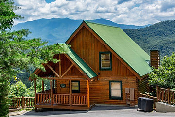 Front view of Highview Retreat cabin in Sherwood Forest Resort, Pigeon Forge TN