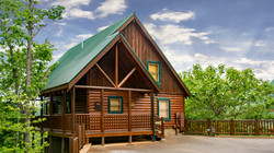 Highview Retreat cabin front