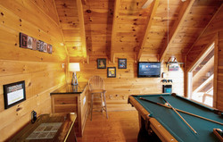 Game loft w/pool table and retro game arcade