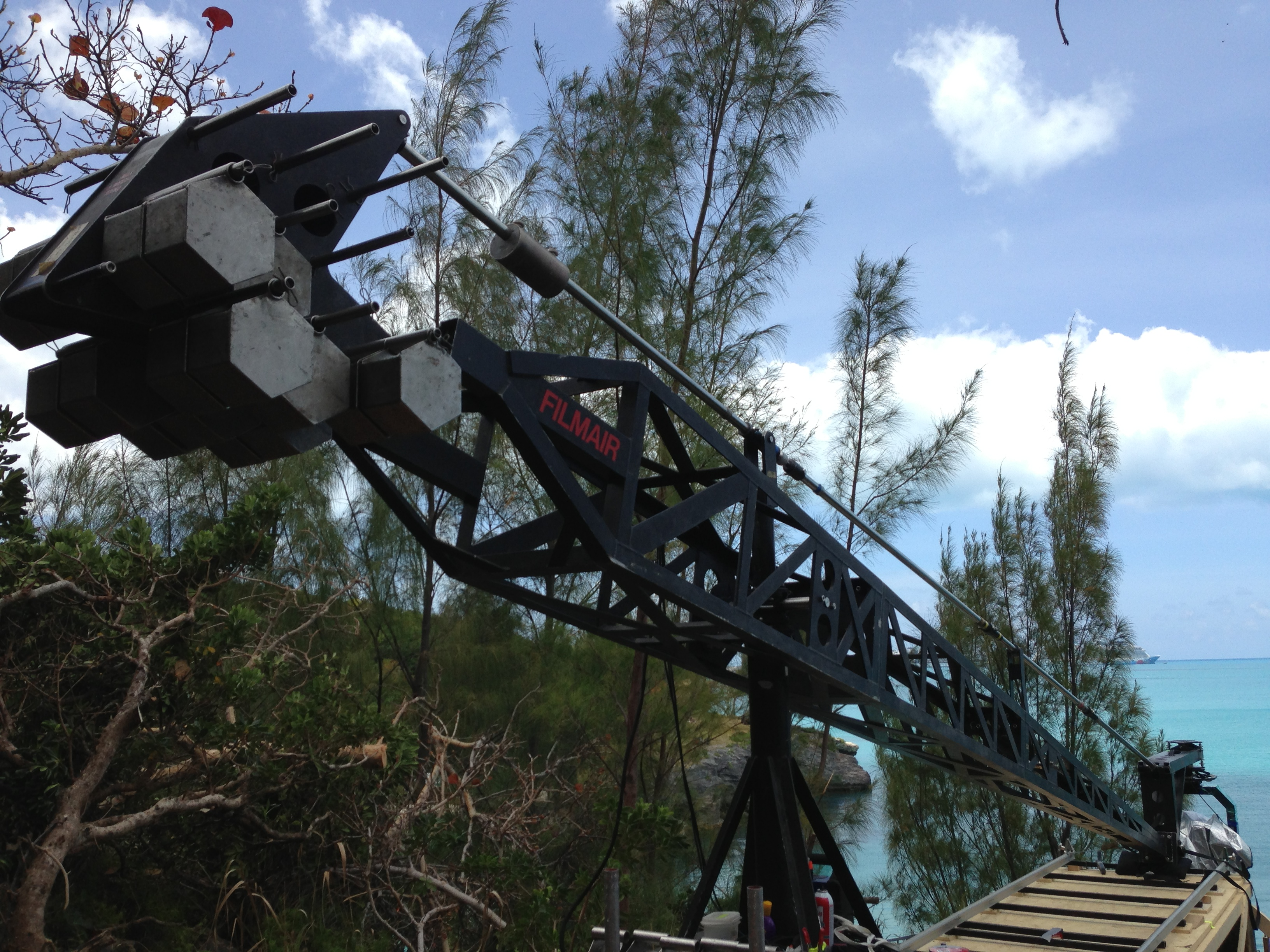 TECHNO CRANE AT THE TOP OF THE WORLD