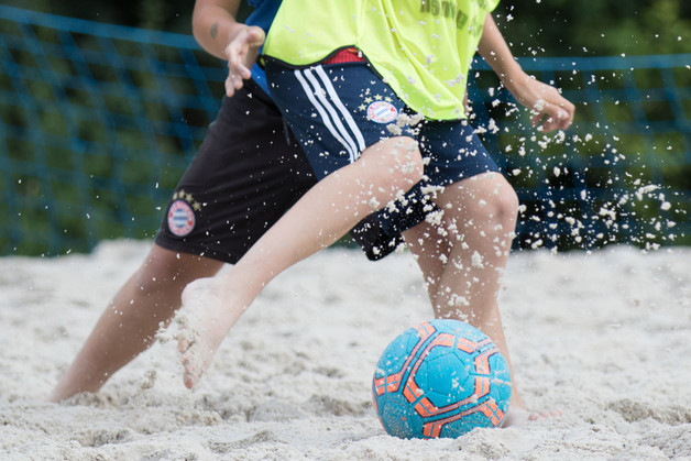 Jg 2008 beim traditionellen Beachsoccer-Training