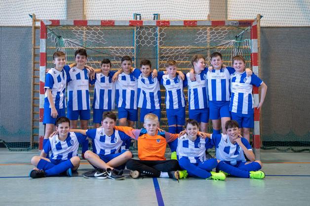 U13 probiert sich im Futsal
