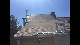 Traitement de toiture entretient demoussage nettoyage bruz guichen blain redon janze rennes 35 mordelles bain de bretagne pipriac retiers poligné