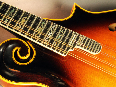 Register for Mandolin Lessons and Get A Free Pack of Strings!
