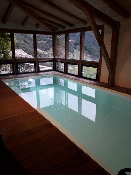 piscine-interieure-la-guaribote-ardeche-
