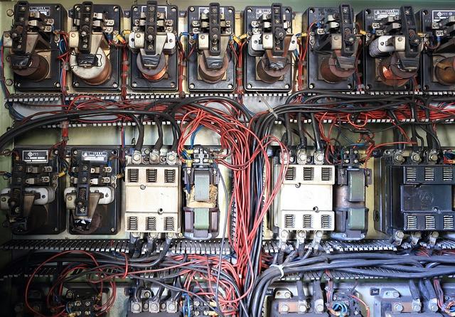החלפת לוחות חשמל ביתיים