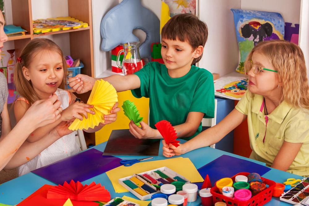 איך לעזור לילד לרכוש חברים