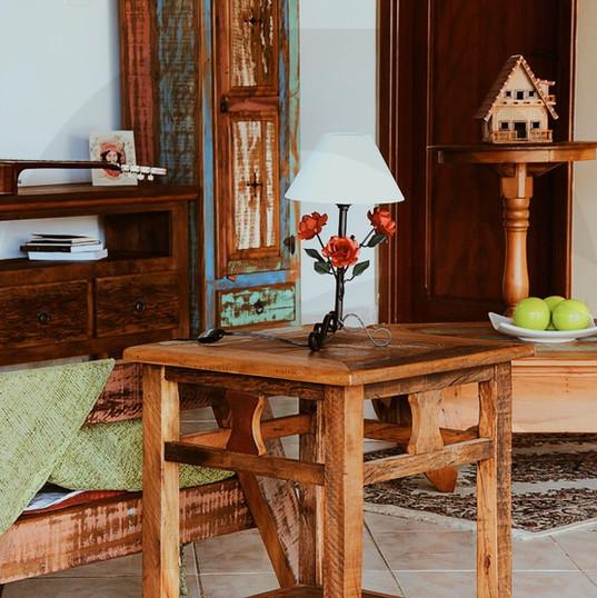 mesa de apoio, mesa de centro e rack