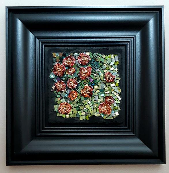 Tableau frais et coloré représentant un champ de fleurs.