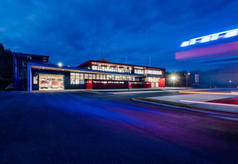 Feuerwehr St. Veit/Glan | skape architects  | Foto © Ferdinand Neumüller .jpg
