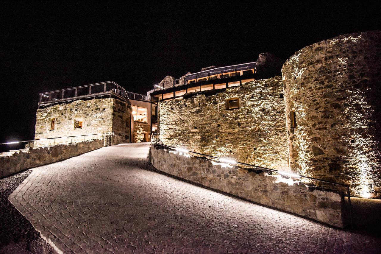 Burg Taggenbrunn_Gutshof Architektur©_Ferdinand_Neumueller74_Eas