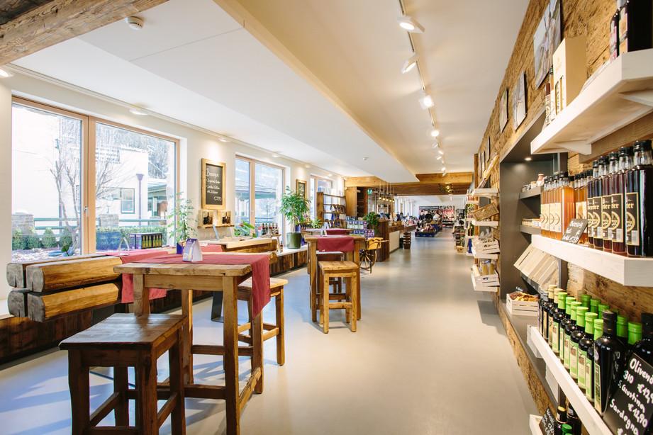 Bierathek Hirt   skape architects Stefan Kogler.jpg