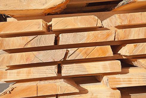 Stapel Holz Saege .jpg