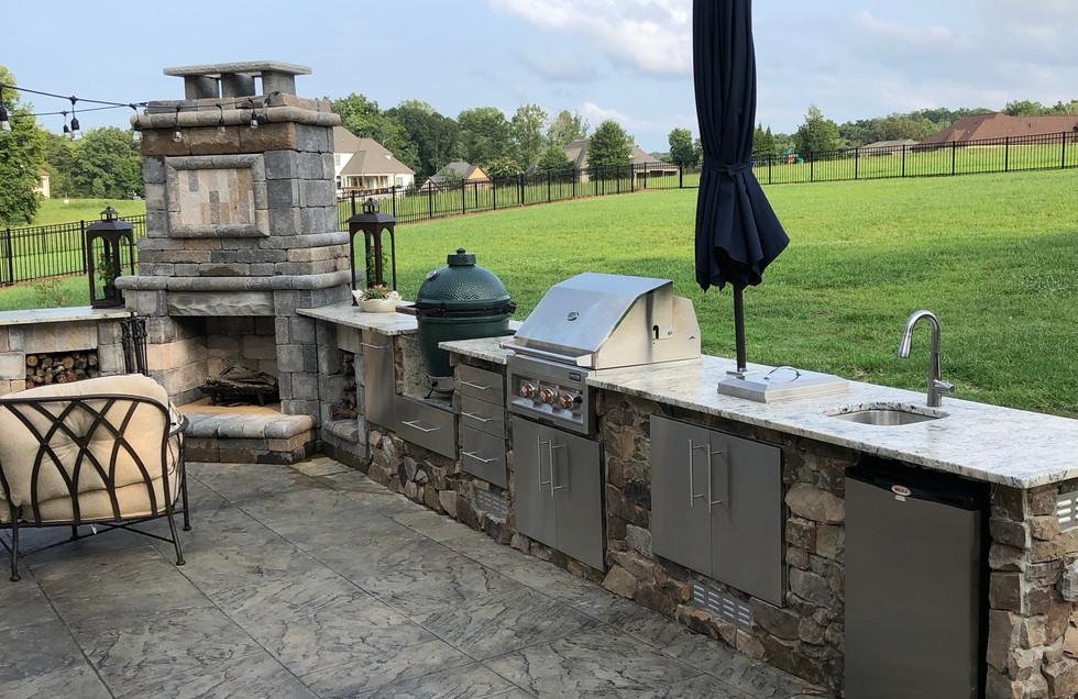 Outdoor Kitchen (3).JPG