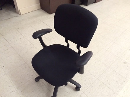 DD 029   Black   Haworth Improv Task Chairs